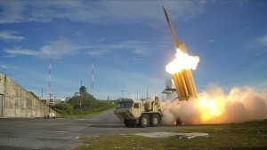 THAAD_1280px-The_first_of_two_Terminal_High_Altitude_Area_Defense_(THAAD)_interceptors_is_launched_during_a_successful_intercept_test_-_US_Army